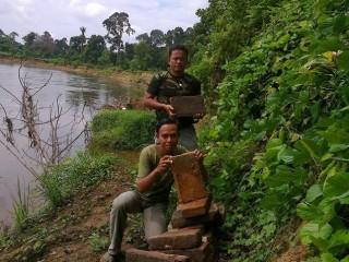Penyelam Temukan Benteng Sriwijaya di Dasar Sungai Rupit - bata2.jpg