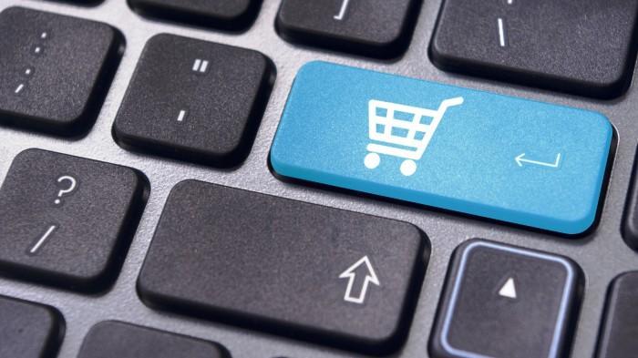 Opini : Kemudahan Online Shop dan Bahaya Konsumerisme