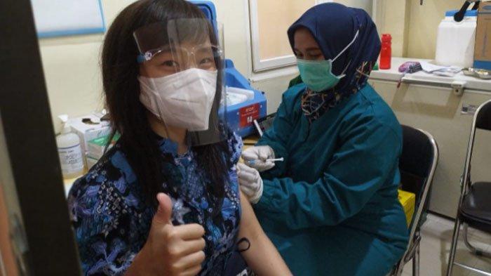 104 Dosen dan Karyawan ISTTS Ikut Vaksinasi Covid-19, Optimis meski Ada yang Takut Jarum Suntik