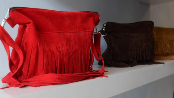 Sukses Produksi Tas Fringe Bag, Permintaan Dari Luar Negeri Berdatangan