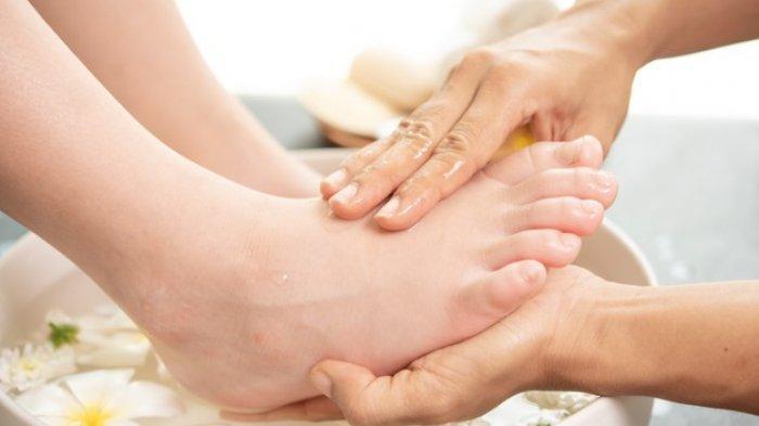 LIFEPACK: 5 Penyebab Tumit Sakit Beserta Cara Mengatasinya Sesuai Anjuran Dokter