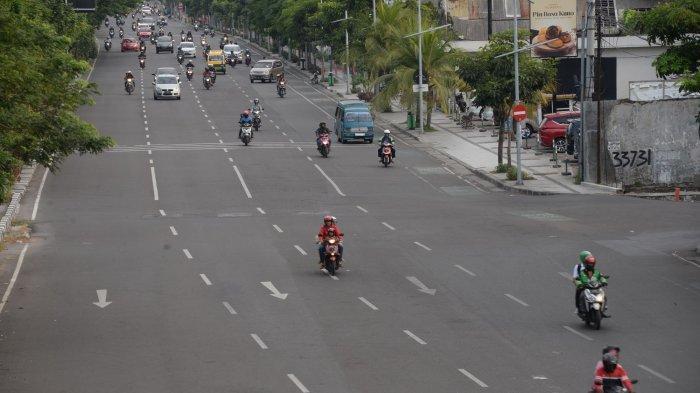 GALERI FOTO - H+3 Lebaran, A. Yani Surabaya Terpantau Masih Lengang