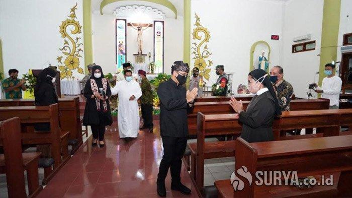 Bupati Anas Apresiasi Pengamanan dan Penerapan Protokol Kesehatan di Gereja