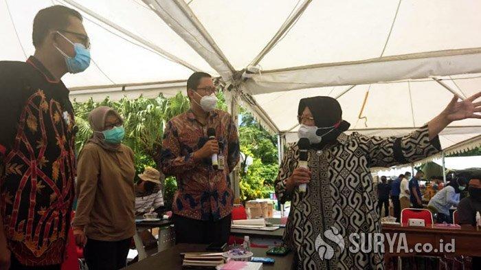 Suasana pertemuan antara Wali Kota Surabaya, Tri Rismaharini dengan Abraham Wirotomo, Tenaga Ahli Utama Kantor Staf Presiden, Selasa (29/9/2020).