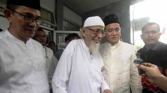 Abu Bakar Baasyir Bebas, Ancaman Pihak Asing Akan Datang, Yusril : Informasinya Seperti Itu