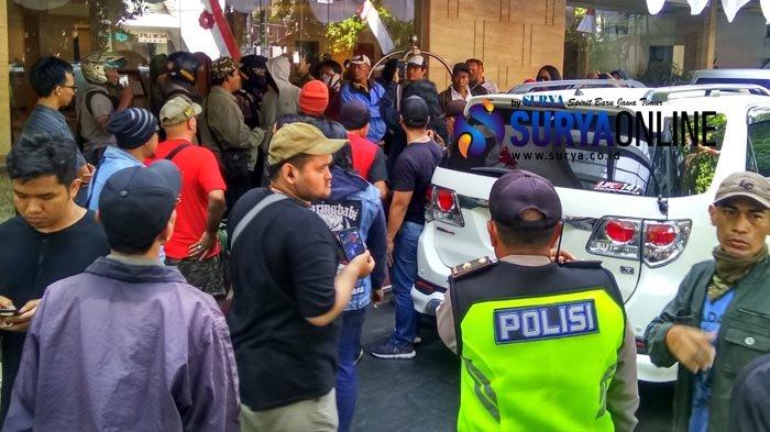 Ahmad Dhani Dicari Koalisi Cinta NKRI Surabaya, Tuntut Minta Maaf dan Segera Lakukan Ini