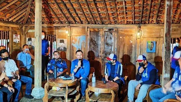 AHY dan Kader Demokrat di Jatim Menginap di Lereng Gunung Arjuno, Siap Hadapi Kubu Moeldoko di PTUN