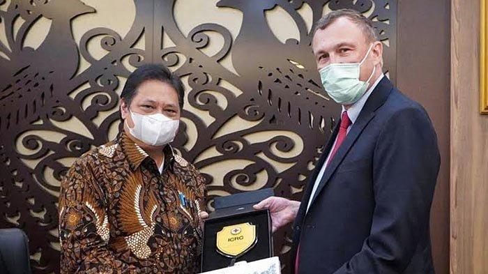Menko Airlangga Hartarto: Pemerintah Kerja Sama dengan ICRC untuk Vaksinasi di Wilayah 3T Indonesia