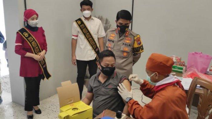 Ratusan Karyawan di Mojokerto Dapat Jatah Vaksin Covid-19 Gratis dari Polri