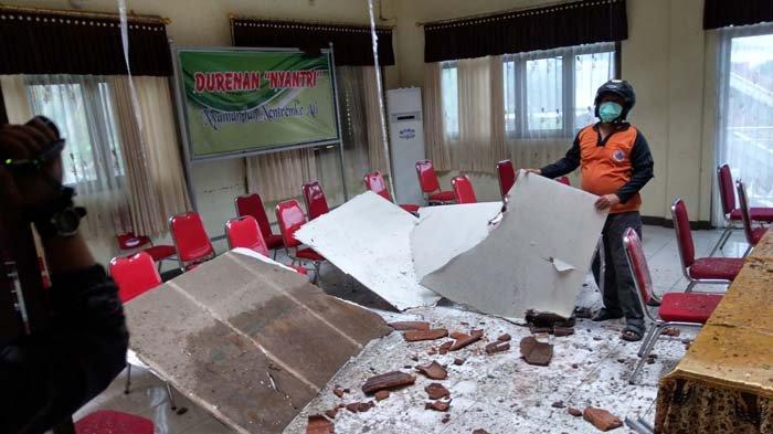 Akibat Guncangan Gempa Malang, 7 Bangunan Kantor dan Sekolah di Trenggalek Rusak dan Ambruk