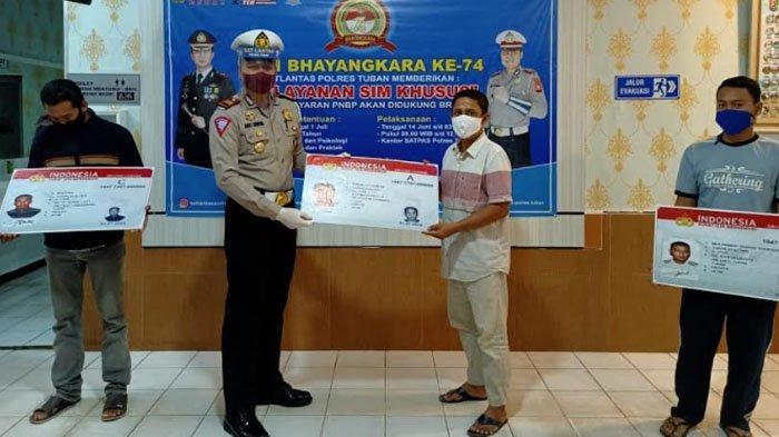 Hari Pertama, 28 Pemohon Dapat SIM Gratis dari Polres Tuban di HUT Bhayangkara ke 74