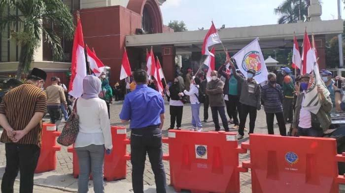 Warga Surat Ijo Surabaya kembali Demo, Tolak Dipenjara karena Tak Bayar IPT
