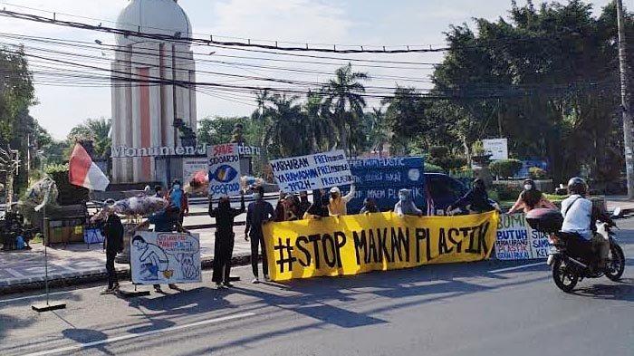 Aktivis Lingkungan Deklarasi #StopMakanPlastik di Sidoarjo