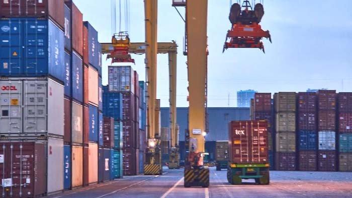 Pelindo III Jamin Kelancaran Arus Logistik di Tengah PPKM Darurat