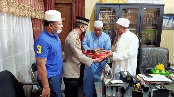 Alhamdulillah, Habib Umar Assegaf Bangil dan Asmadi Satpol PP Surabaya Saling Memaafkan