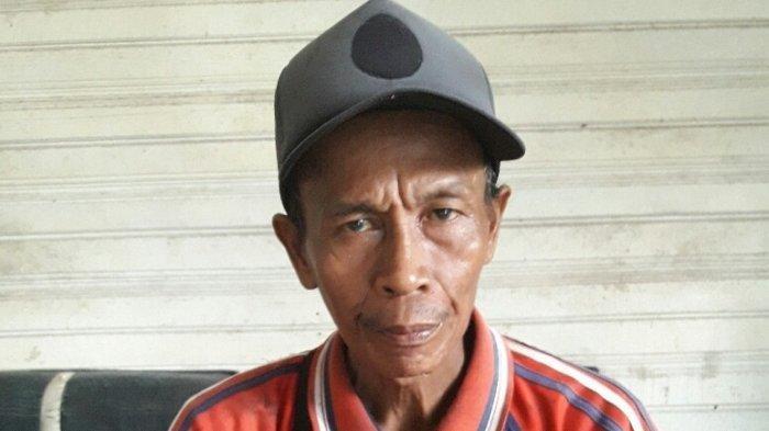 Cerita Amad Pria Pemburu Ular Piton Asal Banjarmasin, Tak Segan Tebas Ular Kobra Pakai Parang