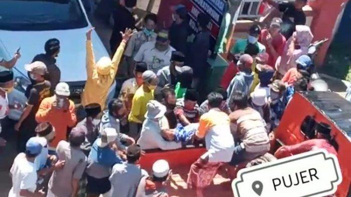 Warga Bondowoso Ambil Paksa Jenazah Covid, Terobos Adangan Polisi dan TNI, Jenazah Diangkut Pickup
