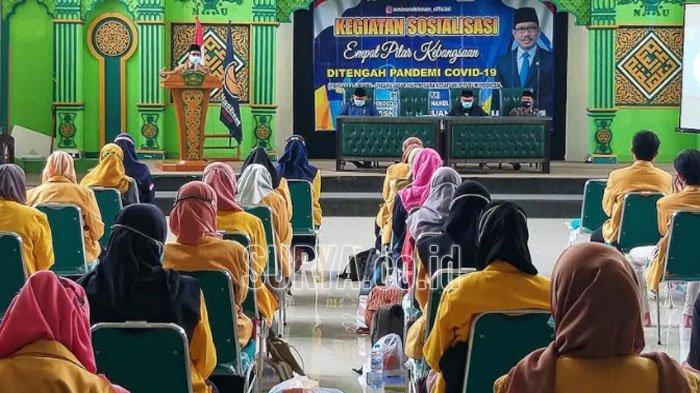 Di Kabupaten Pasuruan, Aminurokhman Sosialisasi Pentingnya Program Nasional Vaksinasi Covid-19