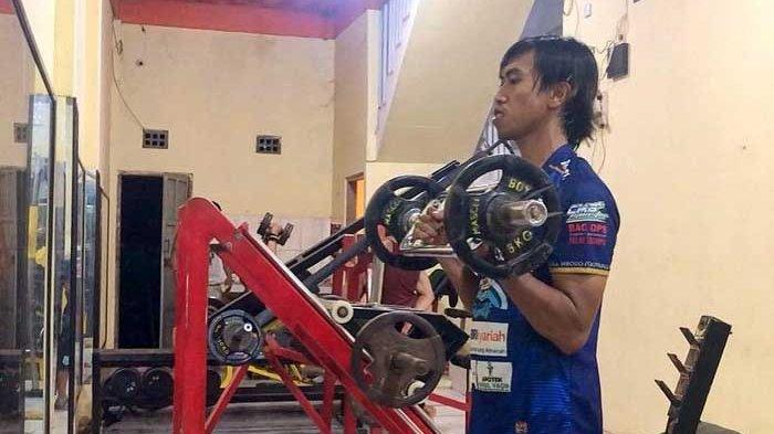 Gelandang Persebaya Surabaya Ini Bagi Ilmu Latihan dan Olahraga Lewat YouTube