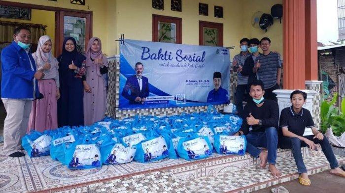 Anggota Fraksi Demokrat Jatim Gelontor Bantuan untuk Korban Banjir Kali Lamong di Kabupaten Gresik