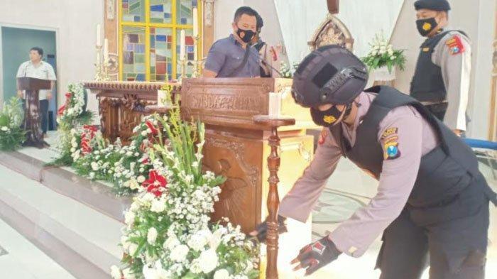 Jelang Natal, Polisi Sterilisasi Sejumlah Gereja di Tuban, Barang Mencurigakan Dicek dengan Detektor