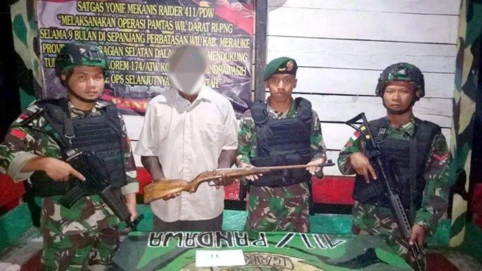 Anggota KKB Papua Menyerah Lagi & Berikan Senjatanya, Sebelummya Didesak TNI hingga Masuk Jurang
