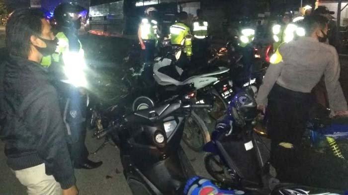 Polisi Obrak-abrik Balap Liar di Bangkalan Madura Minggu Dini Hari, Puluhan Motor Disita