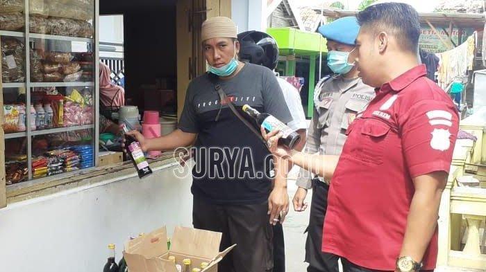 Polisi Pamekasan Tangkap Penjual Minuman Keras Ilegal, Segini Barang Bukti yang Disita