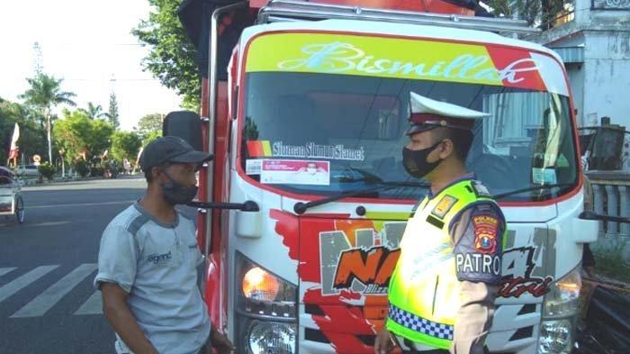 Cara Satgas Covid-19 Kabupaten Bondowoso Ingatkan Warga agar selalu Pakai Masker
