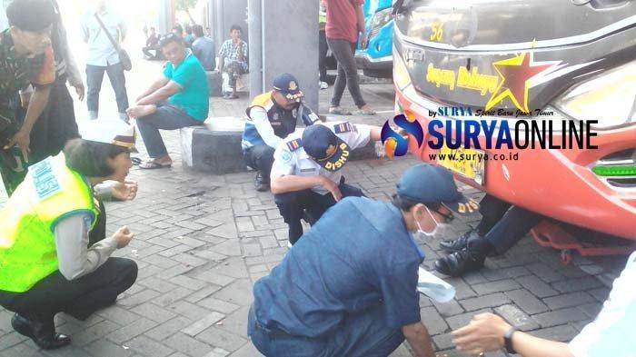 Terminal Purabaya Gelar Pengecekan Kondisi Bus Angkutan Lebaran 2019, 5 Bus Ditemukan Tak Laik Jalan