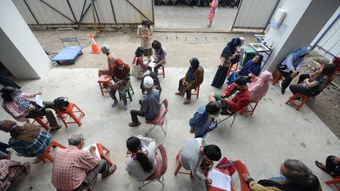 Vaksinasi di Surabaya Tembus 1,2 Juta Jiwa, Kini Sasar Usia 18 Tahun ke Atas