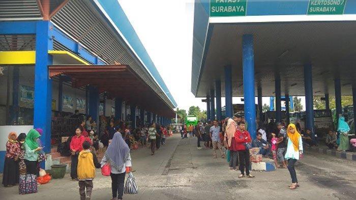 Penyebab Menumpuknya Calon Penumpang Tujuan Surabaya di Terminal Gayatri Tulungagung