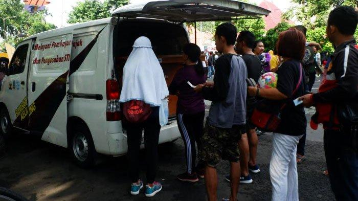 Layanan Samsat di Jalan Raya Darmo Buka Jam 05.00 saat Car Free Day
