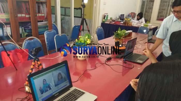 YPTA Surabaya Aplikasi Sistem Isyarat Bahasa Indonesia untuk SLB