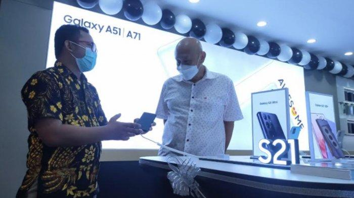 Optimistis Vaksin Covid-19, Apollo Resmikan Samsung Excellent Partner PTC Surabaya