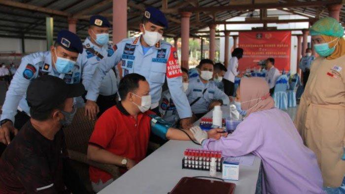 Pegawai dan WBP Lapas Surabaya Antusias Donorkan Plasma Konvalesen
