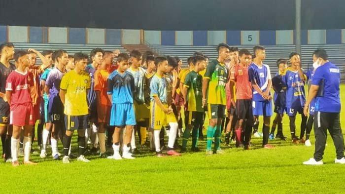 Asisten Pelatih Persela Isi Waktu Libur Ikut Bantu Seleksi Timnas U-16 se-Karesidenan Bojonegoro