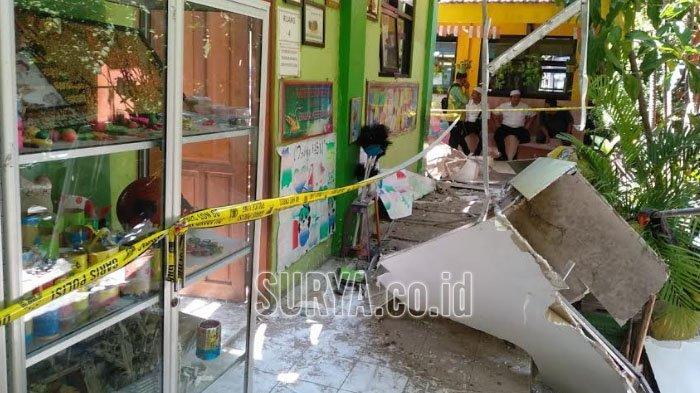 Ambruknya Kembali Dua Atap SDN Gentong Kota Pasuruan, Gus Ipul Mengaku Prihatin
