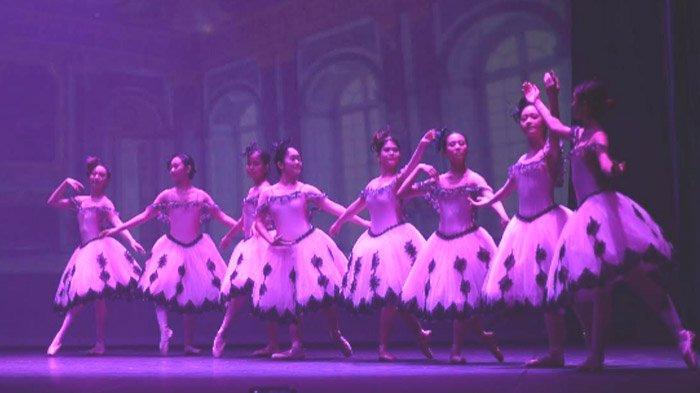 Lewat Annual Performance dan Award Day Jalin Kedekatan Orangtua Murid dengan Pengajar Balet