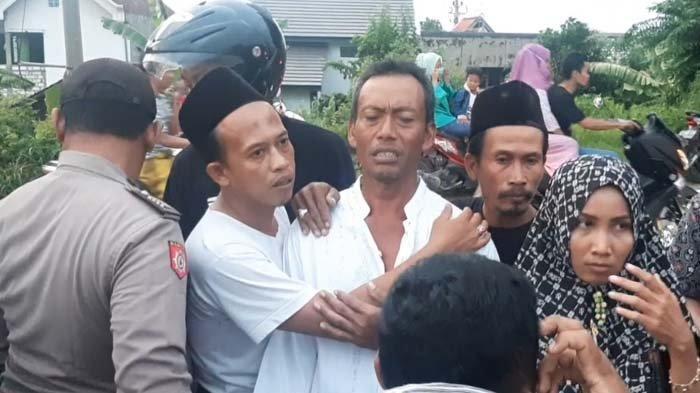 Fuad Bunuh Diri di Sungai Bengawan Solo. Ayahnya Sebut Dia Frustasi Karena Lama Menganggur