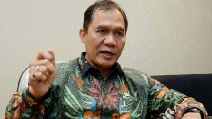 Bambang Haryo Soekartono.