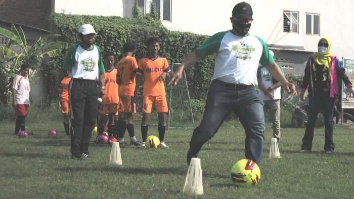 Butuh Pemimpin Gila Bola agar Sepak Bola Sidoarjo kembali Berjaya, Ngobrol Bareng Bambang Haryo