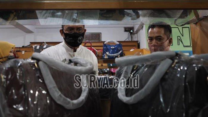 Berkunjung ke Intako Tanggulangin Kabupaten Sidoarjo, BHS Disambati Para Perajin Tas