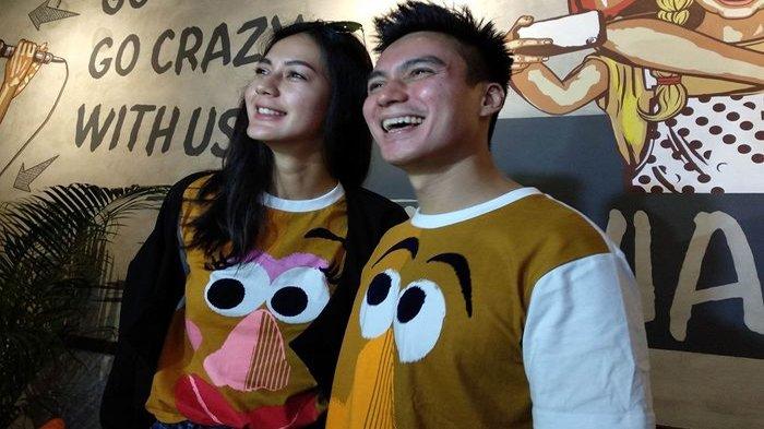 Baim Wong Paula Verhoeven Pakai Baju Couple Saat Umumkan Pertunangannya Paula Nggak Kuat Alaynya Surya