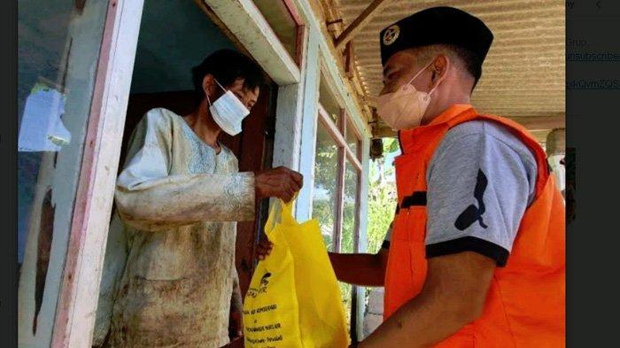 Jelajah Pelosok Sampai Tembus Hutan, Kwartir Ranting Pramuka Purwodadi Bagikan Sembako untuk Dhuafa