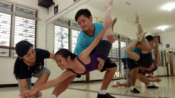 Murid Premier School of Ballet Surabaya Pentas di Ciputra Hall Citraland