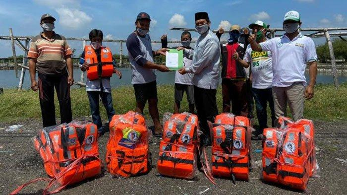 Beri Bantuan, Bambang Haryo Soekartono Dicurhati Para Nelayan di Kabupaten Sidoarjo