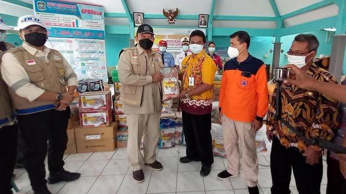 Bambang Haryo Soekartono Salurkan Bantuan untuk Korban Gempa Lumajang