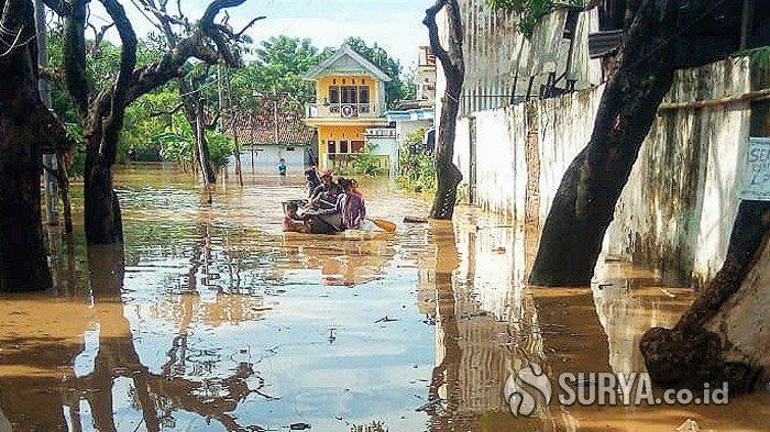 Banjir Masih Merendam Pemukiman Padat Penduduk di Kota Pasuruan, Ketinggian Air Satu Meter Lebih