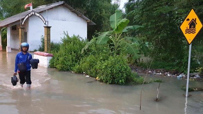 Banjir di Tempuran Mojokerto Belum Surut, Aktivitas Warga Terganggu